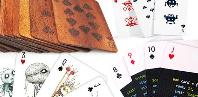 Scopri i 12 Mazzi di Carte di Poker più Cool del Momento