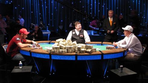giocare poker due3