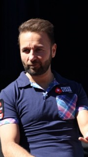DAniel Negreanu qa fans 6