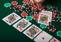 assets/photos/_resampled/SetWidth245-tornei-Poker.jpg